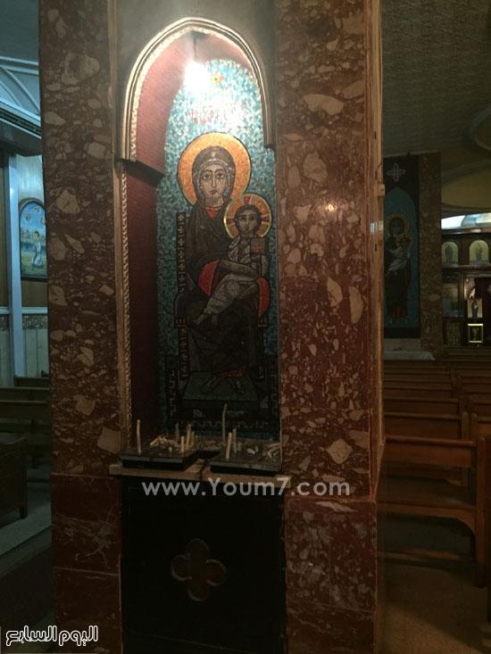 الكنيسة صغيرة المساحة ولا تتسع للمصلين  -اليوم السابع -8 -2015