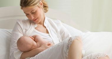 دراسة طبية: حليب الأم يقتل الخلايا السرطانية