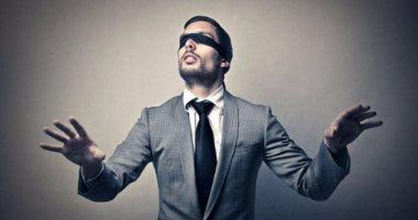 ثورة طبية.. علماء يطورون قطرة للعين تعالج العمى المرتبط بالعمر