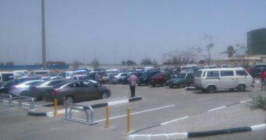 المطار يخصص ساحة انتظار سيارات جديدة لمبنى 2 تستوعب 1500 سيارة