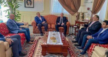 سفير مصر بالجزائر: أتمنى فوز الزمالك على المولودية.. وسعيد بحضور أول فريق مصرى