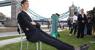 12 معلومة عن أطول رجل وأقصر سيدة فى العالم بعد إعلان
