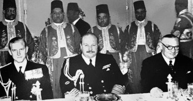 نتيجة بحث الصور عن الملك فاروق والسفير البريطاني