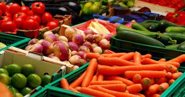 أطعمة لا تحفظ بالثلاجة الموز والخوخ والمشمش والمانجو