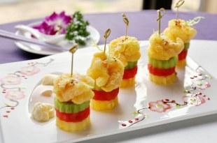 精選六道「水果入菜」的超強料理!竟有整顆木瓜和鳳梨的超美味做法!