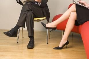 翹二郎腳、隨意而坐下,對健康會造成四種影響!-台灣養生網