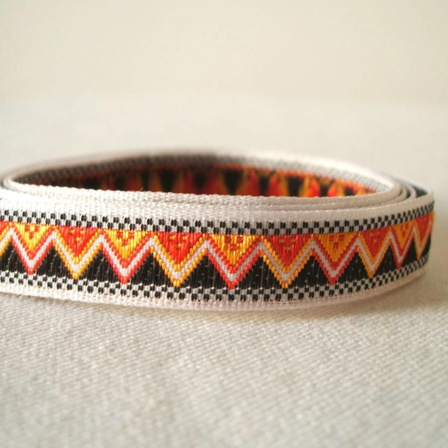 vintage mini zig zag trim in jet black and zesty orange 3 yards