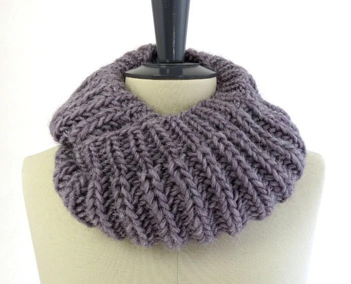 Knit Infinity Loop Scarf Neck Warmer in Lavender Gray Alpaca. Soft and Rustic. Spring and Winter Fashion Handmade in France. - tortillagirl