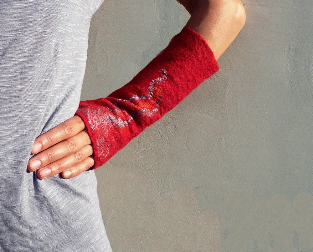 Wool felted fingerless gloves Red - JaneBoFelt