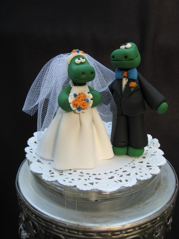 Gator Bride And Groom Cake Topper