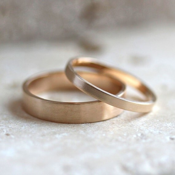 Gold Wedding Band Set His And Hers 4mm And 2mm Brushed Flat