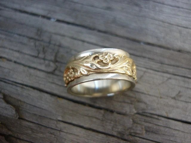 ArtCarved 14K Vintage Wedding Band