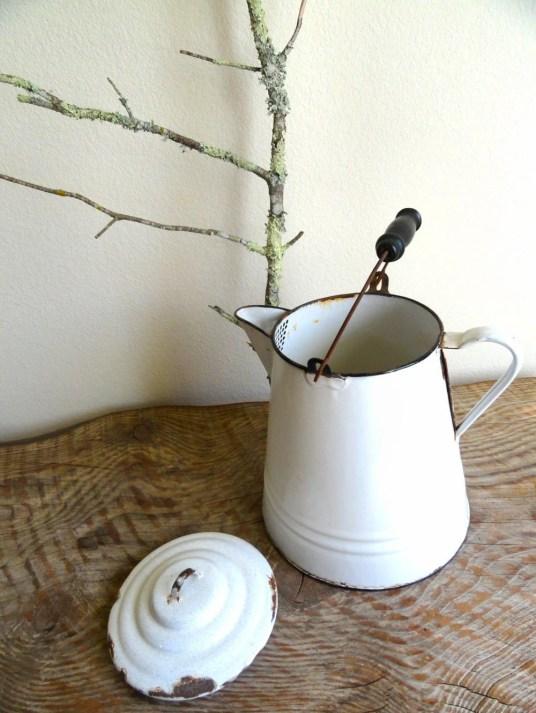 Antique enamelware pot milk pail with lid
