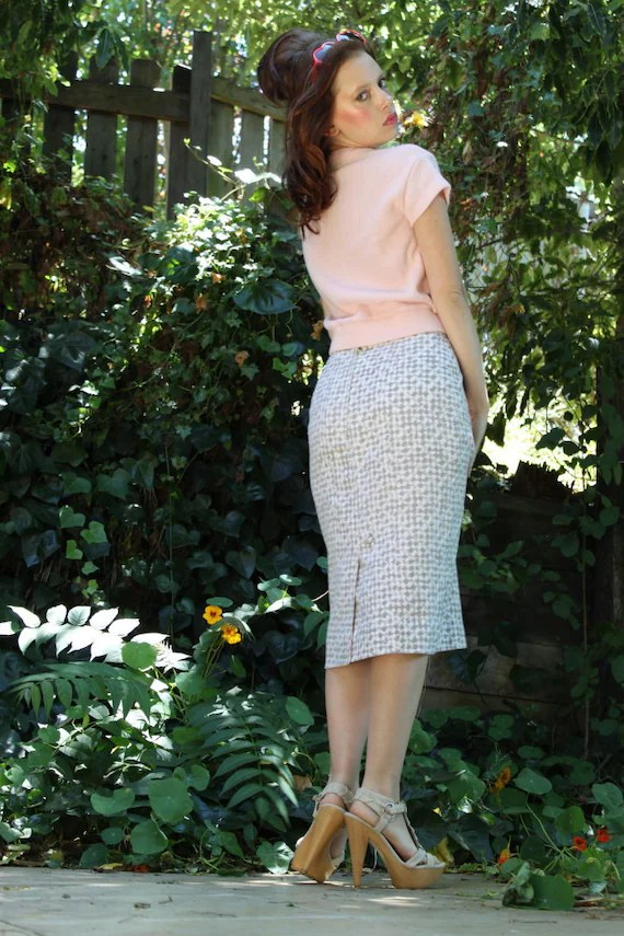 Vintage High Waisted Pencil Skirt in Earthy Houndstooth
