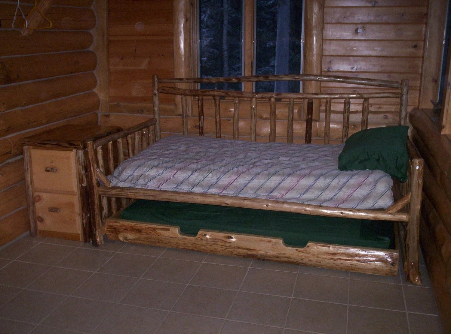 Rustic Cedar Daybed Trundle Bed With Matching Side Table