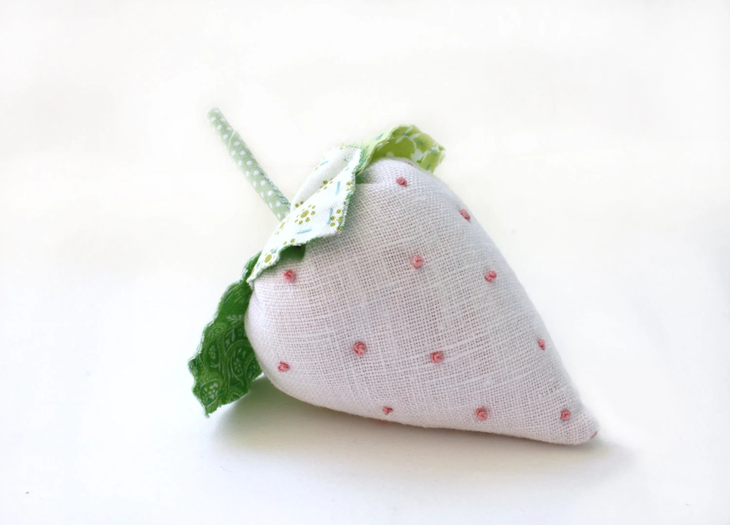 Pincushion, Supply, Sewing, Craft, White, Linen, Strawberry, Crushed Walnut Shell Filling, READY TO SHIP - AppleWhite