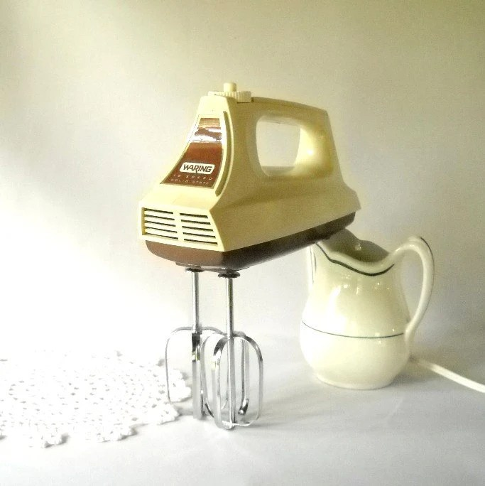 Vintage Mixer Waring Hand Mixer Appliance Cooking Baking Retro Kitchen