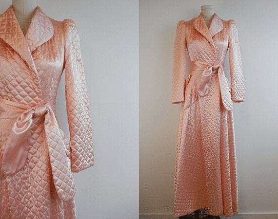 Vintage Quilted Satin Robe / 1940s Long Bias Cut Blush Pink