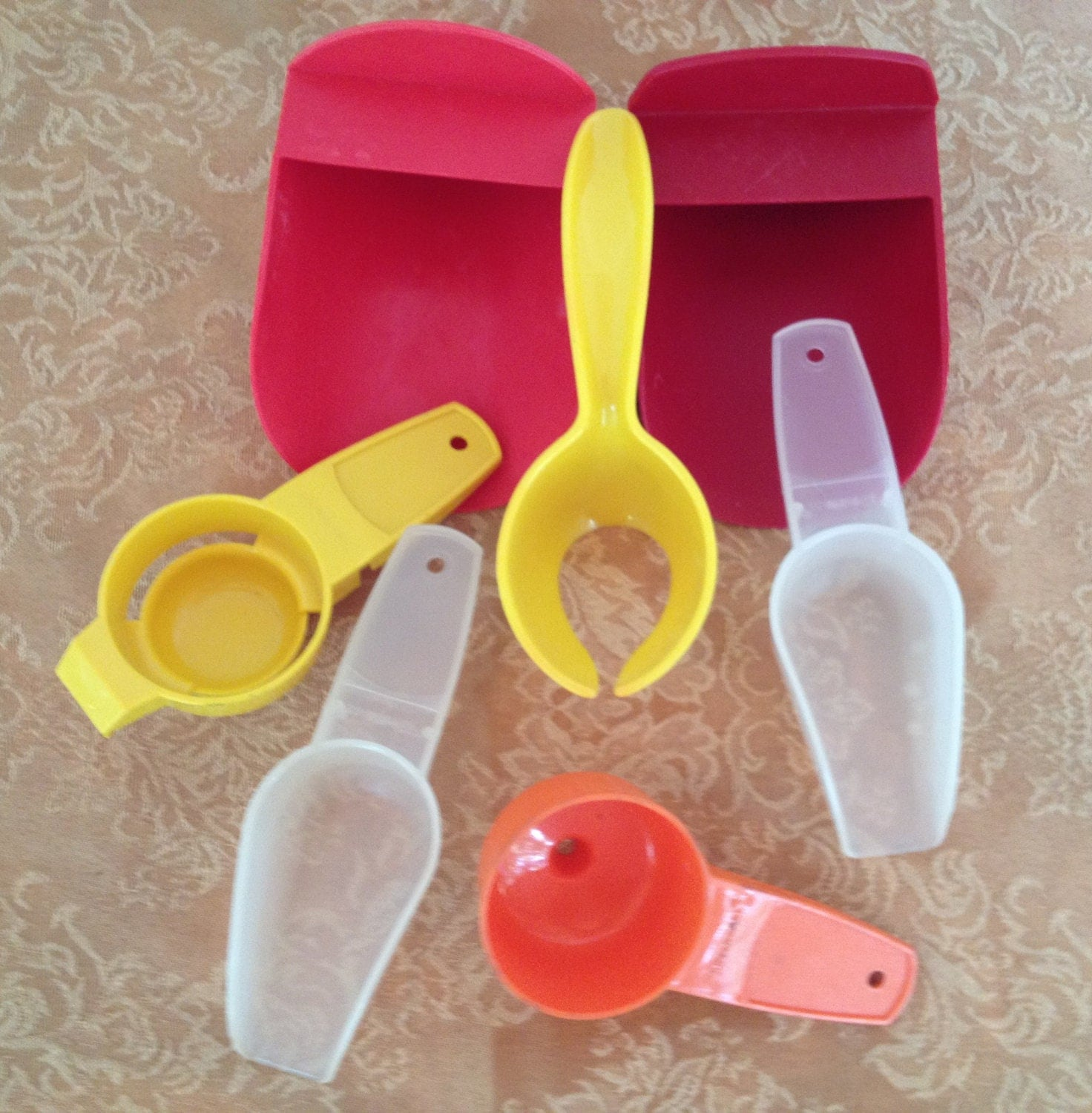 Tupperware Gadgets And Utensils