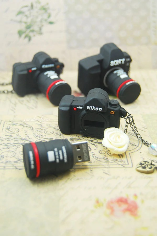 16gb usb flash drive - a mini Dslr camera necklace (MADE TO ORDER)