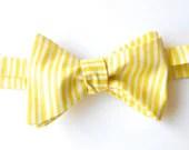 Yellow Summer Bow Tie // Handmade, Adjustable, Traditional Selftie - AtelierSalter