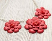 Necklace with red leather flowers - katrinshine