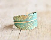Verdigris Feather Ring - Hand Forged Brass Feather Ring - Shabby Chic, Adjustable, Bridesmaids Jewelry, Woodland - hangingbyathread1