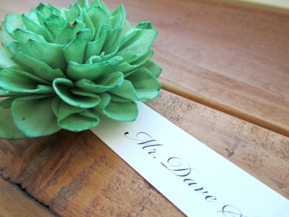 20 Emerald Place Cards, Wooden Flower Place Cards, Rustic Wedding, Wedding Escort Cards