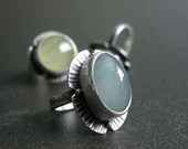 RING sterling silver hammered floret with natural oval aquamarine cabochon 18k beaded accent cocktail ring - quenchmetalworks