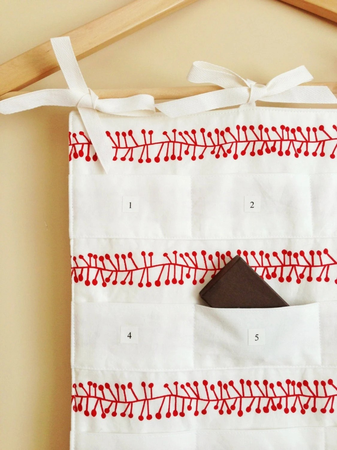 Scandinavian Advent Calendar - Scandi Christmas Countdown Calendar - Red Berries on White - Decoration, Wall Hanging, Xmas Holiday Decor - GoodWishesQuilts
