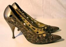 Vintage 1950s Kitten Heel Italian Leather Beaded Shoes - 8.5