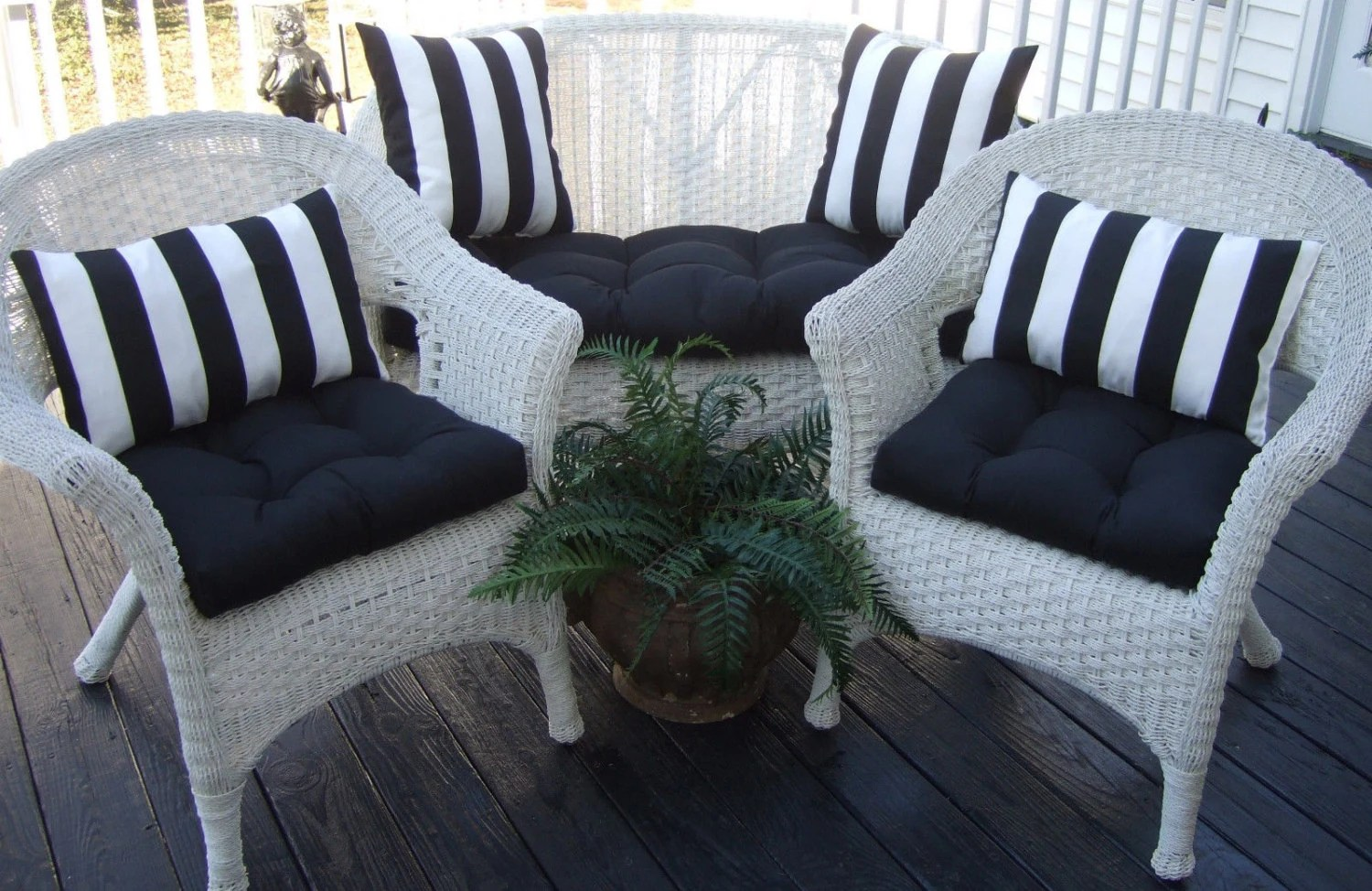 Indoor / Outdoor Wicker Cushion And Pillow 7 Pc Set Solid