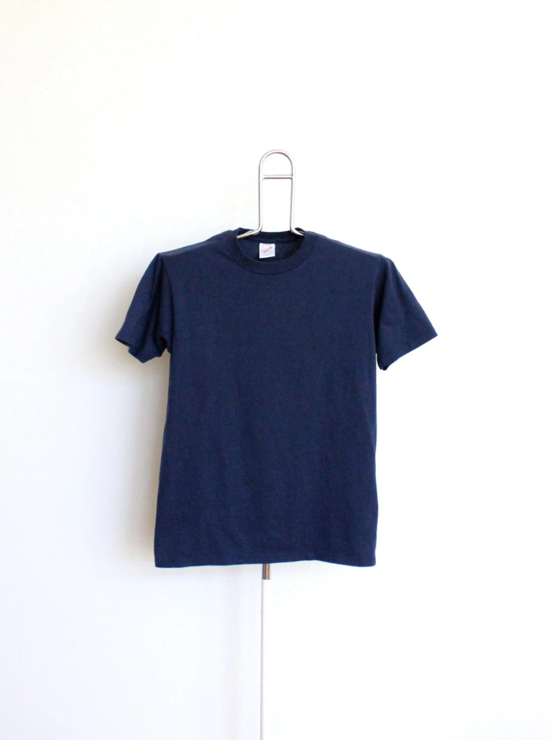 Soft Navy Blue Plain Jerzees T Shirt Mens Small / Medium Unisex Womens 80s 50 50 Made In USA Vintage - beachwolfvintage