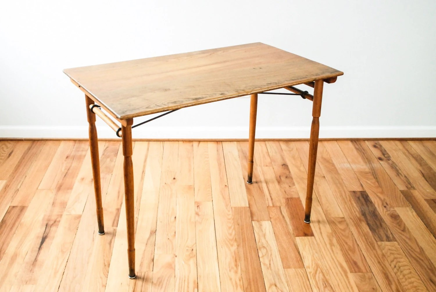 Sewing Table Deals On 1001 Blocks