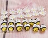 Fondant Bees and Daisies ...
