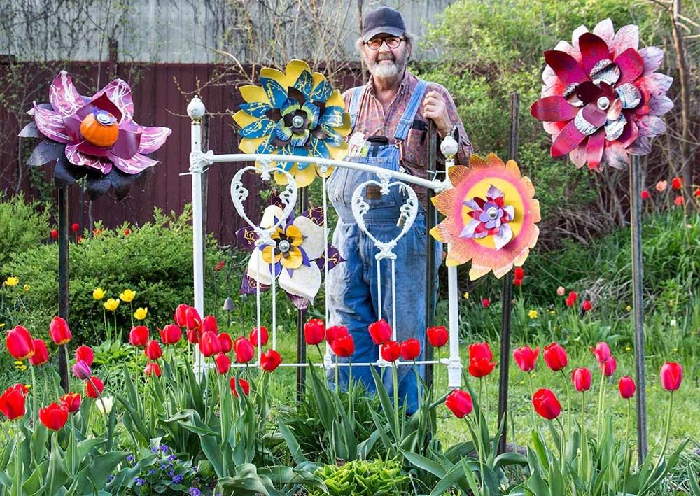 Metal Flower Yard Art Indoor Outdoor Wall Art Salvaged