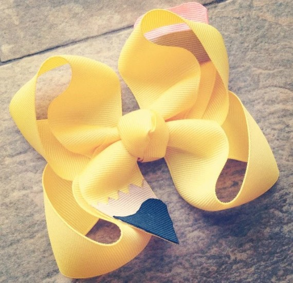 Handmade Back to School Supplies - Pencil bow, back to school bow, school bow, preschool bow, kindergarten bow from LaynieReeseBoutique