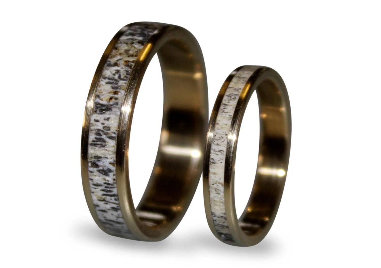 18k Gold Wedding Band Set With Deer Antler Antler Ring Inlaid