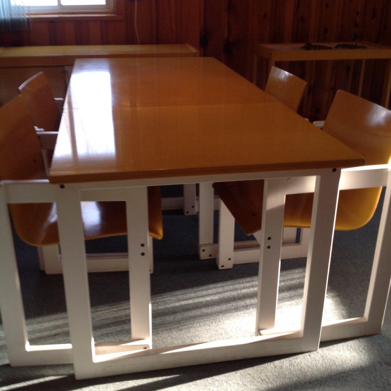 table buffet chaises et desserte sur roulette gu ridon haute juice. Black Bedroom Furniture Sets. Home Design Ideas