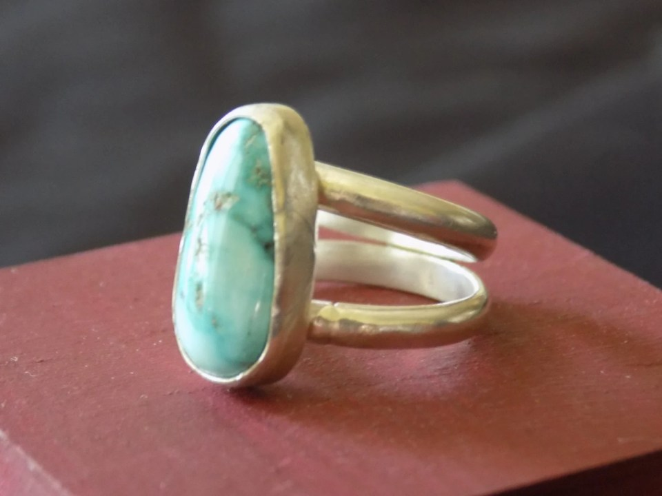 Kingman Turquoise and Ste...