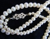Graduated Pearl necklace ...