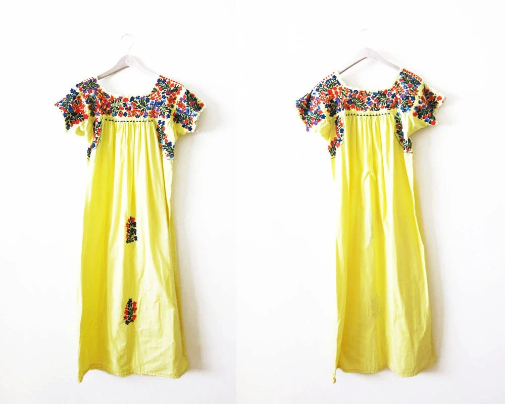 Embroidered Mexican Dress / Mexican Dress Women / Vintage