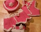 Baby cowgirl outfit in pi...