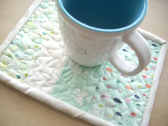 fresh cut in aqua mug rug - FREE SHIPPING