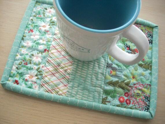 juniper berry in ice blue mug rug - FREE SHIPPING