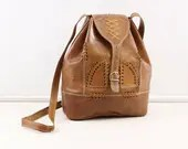 Brown leather shoulderbag...