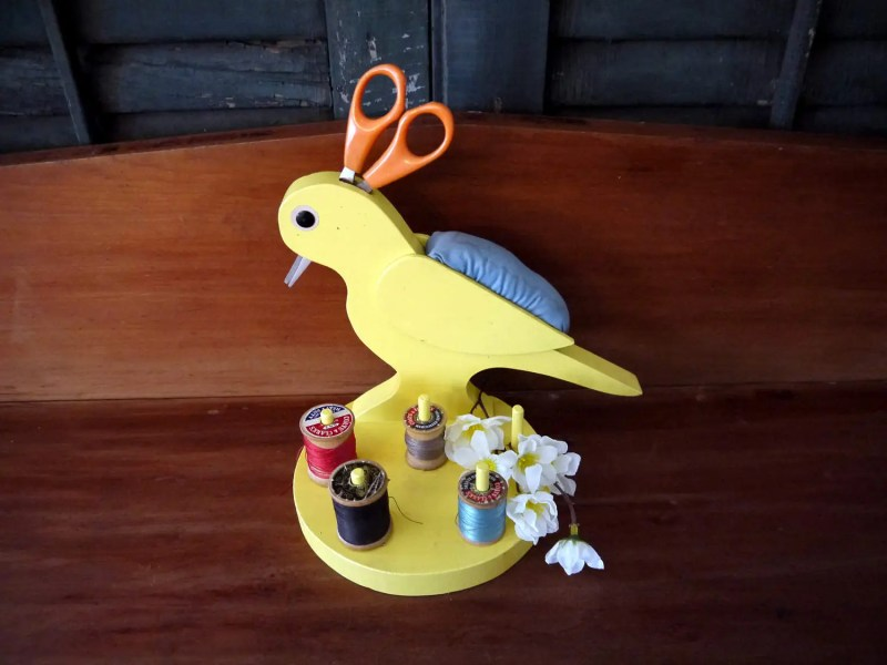 Vintage Folk Art Sewing Bird Caddy Organizer. Yellow. 1940s. Adorable! Sewing Organization, Seamstress, Knitting, Crafting, Needlepoint