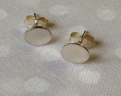 Dot earrings