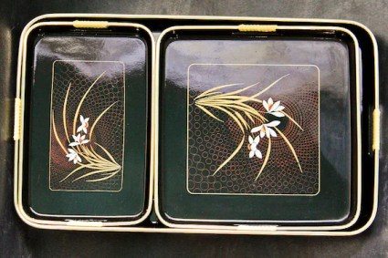 Set of Three Nesting Black Lacquerware Trays With Circle and Floral Motif: Mid Century Made in Japan- Asian-Oriental-Minimalist