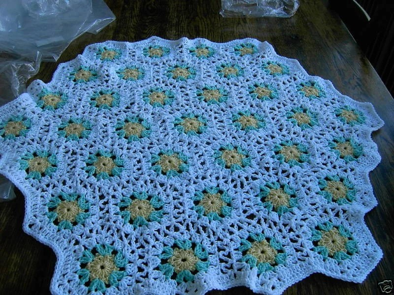 New handmade Hexigan Granny design yellow/green colour Crochet Blanket  647